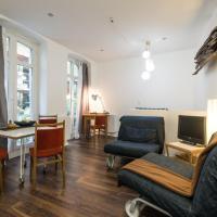 Quiet Courtyard Apartment (KB6)