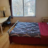 85#3 Near Metro Monk. private room